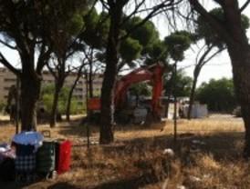 Derriban seis chabolas en un poblado de Leganés