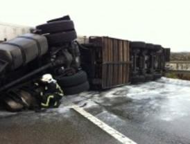 Restablecido el acceso a Madrid por la A-1 tras el accidente de un camión