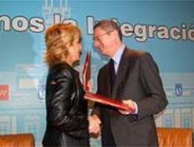 Aguirre y Gallardón piden compromiso con las victimas del terrorismo