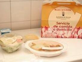 Alcorcón lleva la comida a casa a sus mayores
