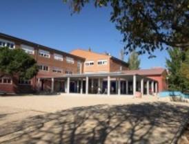 El colegio Seis de Diciembre de Alcobendas estrena patio