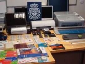 Detenidas 6 personas dedicadas a la falsificación de documentos