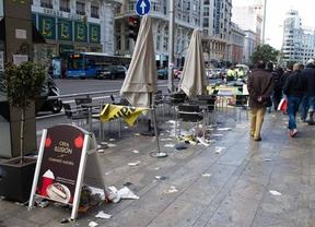 El contrato de limpieza recogía una reducción del 33% de trabajadores, según el PSOE