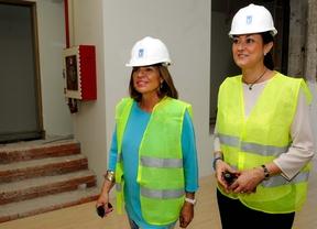 Ana Botella y Dolores Navarro visitan la futura sede del Área de Familia y Servicios Sociales
