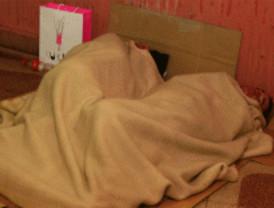 Una noche al raso para empatizar con los 'sin techo'