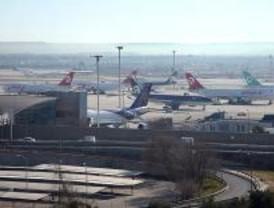 El Gobierno estudia suprimir las tasas de aeropuertos