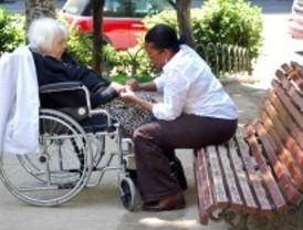 Oposición y sindicatos se quejan sobre el servicio de ayuda a domicilio