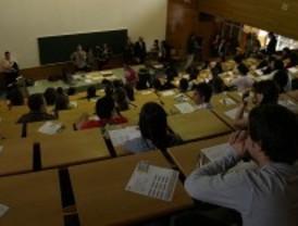 Casi 7.000 estudiantes buscan una segunda oportunidad para entrar en la universidad