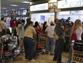 Air Comet mantiene todos sus vuelos durante la primera jornada de huelga