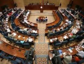 El PP impide que el PSOE pregunte en la Asamblea por los espionajes a Cobo