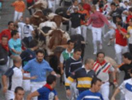 Cuatro mil corredores baten el récord de participación en el último encierro de 'Sanse'