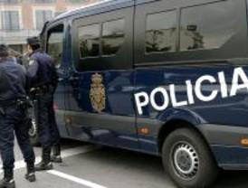 Seis detenidos en una operación policial contra la droga en la calle del Arenal