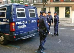 Detenidos dos ladrones acusados de 60 robos mientras huían de su último golpe