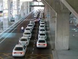 La Policía detiene a una pareja acusada de atracar a taxistas