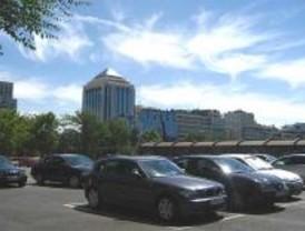 Explosionada una maleta sospechosa en un aparcamiento de Azca