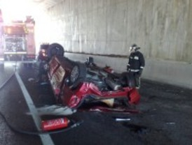 Fallece un hombre tras chocar su coche contra un pretil de hormigón de la M-405