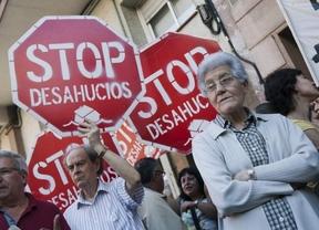Una familia 'okupa' una vivienda en San Cristóbal de los Ángeles tras haber sido desahuciada