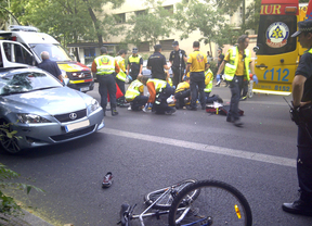 Dos ciclistas graves tras sendos atropellos