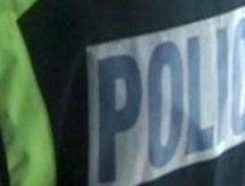 Tres agentes fuera de servicio evitan un robo en una tienda de la 'milla de oro'