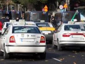 Fomento asegura que los taxistas reconocen que el sector no peligra por la Ley Ómnibus