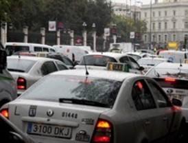 La lluvia complica la circulación en las carreteras madrileñas, que registran 49 accidentes