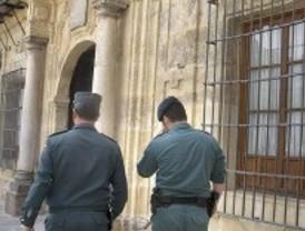 La Guardia Civil investiga un ataque con cócteles molotov a los juzgados de Lora del Río