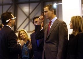 Los Príncipes de Asturias apuestan por la tecnología durante la inauguración de Fitur