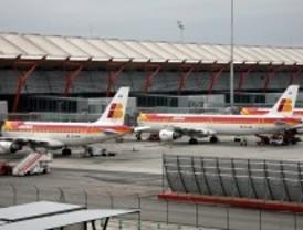 Iberia cancela 37 vuelos en Barajas