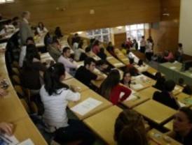 Más de 25.440 estudiantes en Madrid se enfrentan desde este lunes a la nueva Selectividad