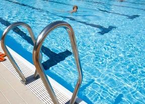 Reaniman a una niña de 4 años tras ahogarse en una piscina