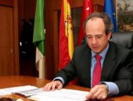 El alcalde de Boadilla del Monte se querellará contra Gómez
