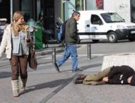El 30% de los 'sin techo' dice haber pedido cama sin éxito