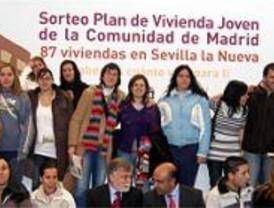 87 vecinos de Sevilla la Nueva, agraciados en un nuevo sorteo del Plan de Vivienda Joven