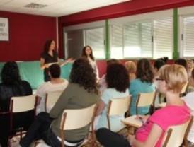 Parla forma a educadores en comedor