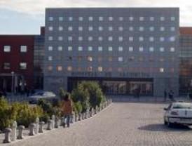 El Ayuntamiento piden más dotación para el Hospital Universitario Fundación Alcorcón