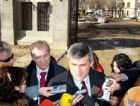 Lucas critica a Gallardón por los 7.600 millones de deuda que podría acumular este año