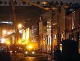 Arden tres naves industriales en un polígono de Fuenlabrada