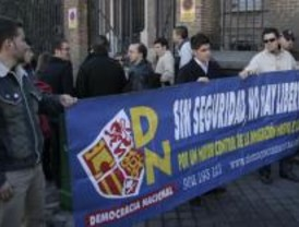 Delegación de Gobierno prohíbe una manifestación de Democracia Nacional