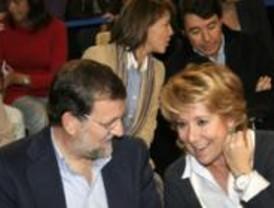 Aguirre: 'Zapatero está asustado por la paliza que le va a dar Rajoy'