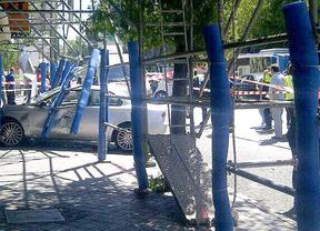 Empotran su coche contra un bar de Atocha