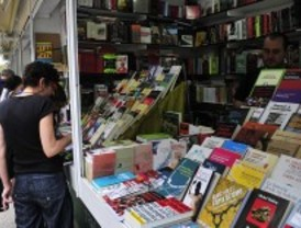 Las ventas en la Feria del Libro caen un cuatro por ciento
