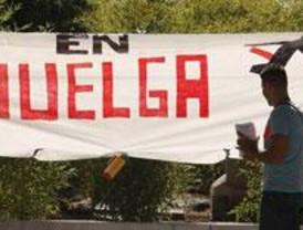 Calma en Barajas en el segundo día de huelga de tripulantes de cabina de Iberia