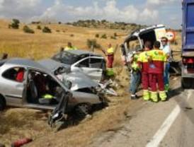 Muere una mujer de 48 años en un accidente múltiple en la M-104