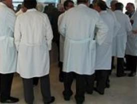 Los médicos dependientes de Familia y Asuntos Sociales se declaran en huelga