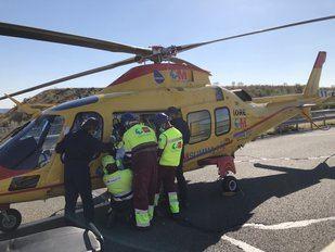 Herida grave una mujer de 79 años al perder el control de su coche en la R-3