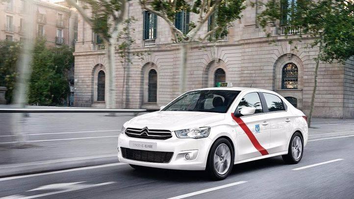 La CNMC pide que taxis y vehículos de alquiler con conductor compitan libremente