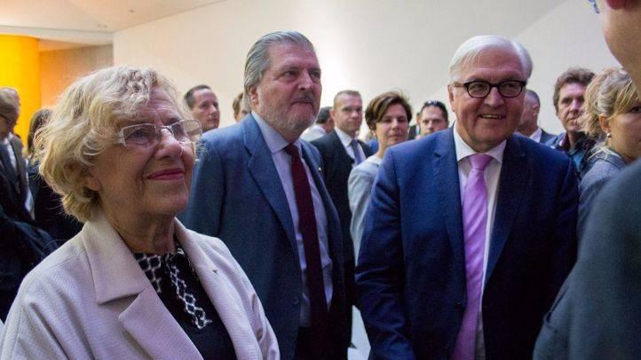 Manuela Carmena, Íñigo Méndez de Vigo y Frank-Walter Steinmeier en la inauguración del nuevo Colegio Alemán de Madrid. (archivo)