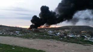Una gran columna de humo negro alerta a los vecinos de Rivas-Vaciamadrid