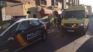 Policía Nacional y unidad del SUMMA en el lugar del accidente