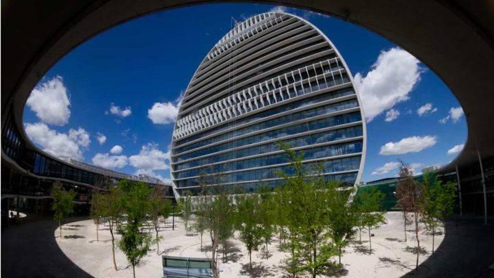 Edificio 'La Vela' que forma parte de la ciudad financiera del BBVA en el barrio de Las Tablas en Madrid (archivo)
